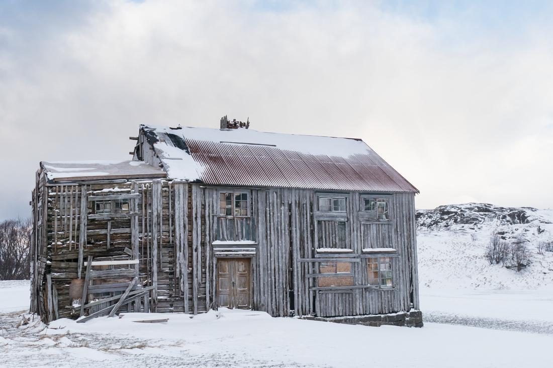 Derelict farmhouse near Yttersand