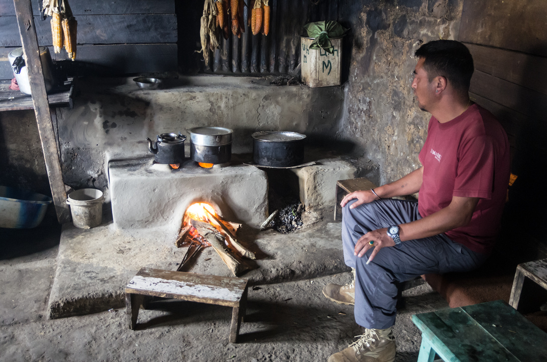 Sherpa kitchen in Kalipokhri on the border between India and Nepal