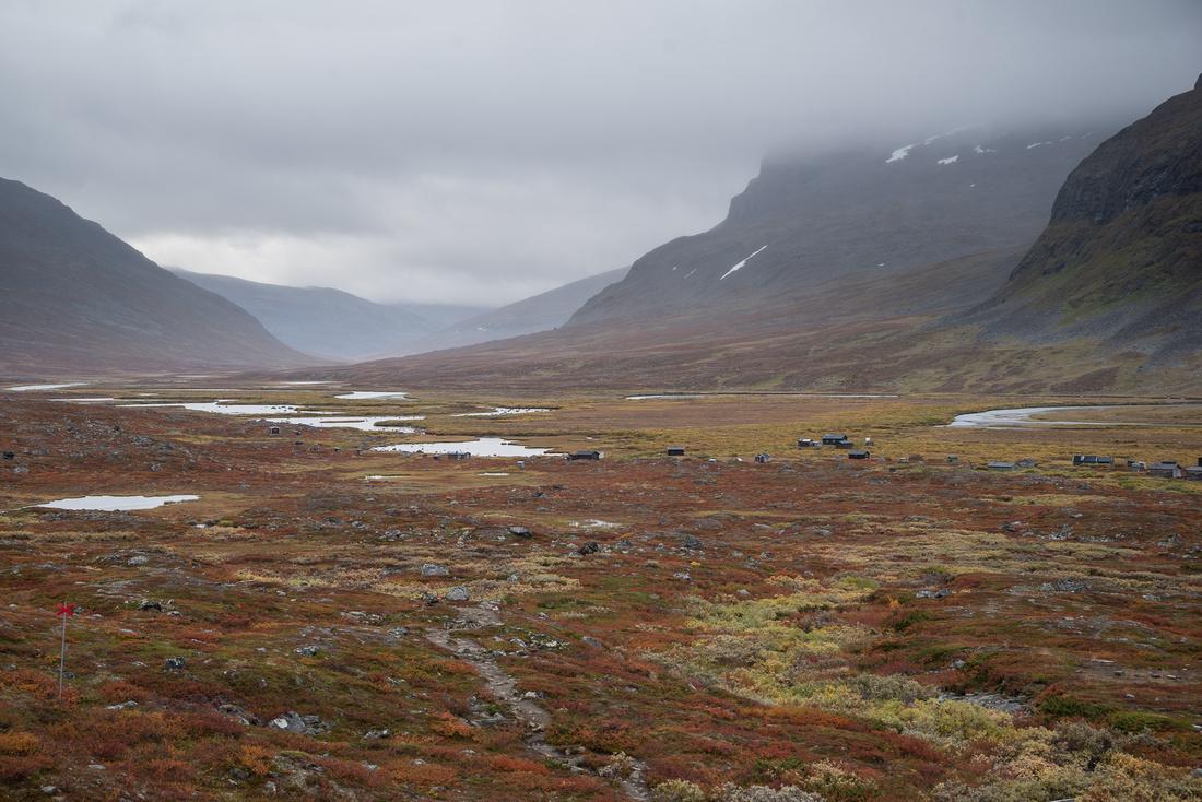 Tjäktjavagge Valley and River