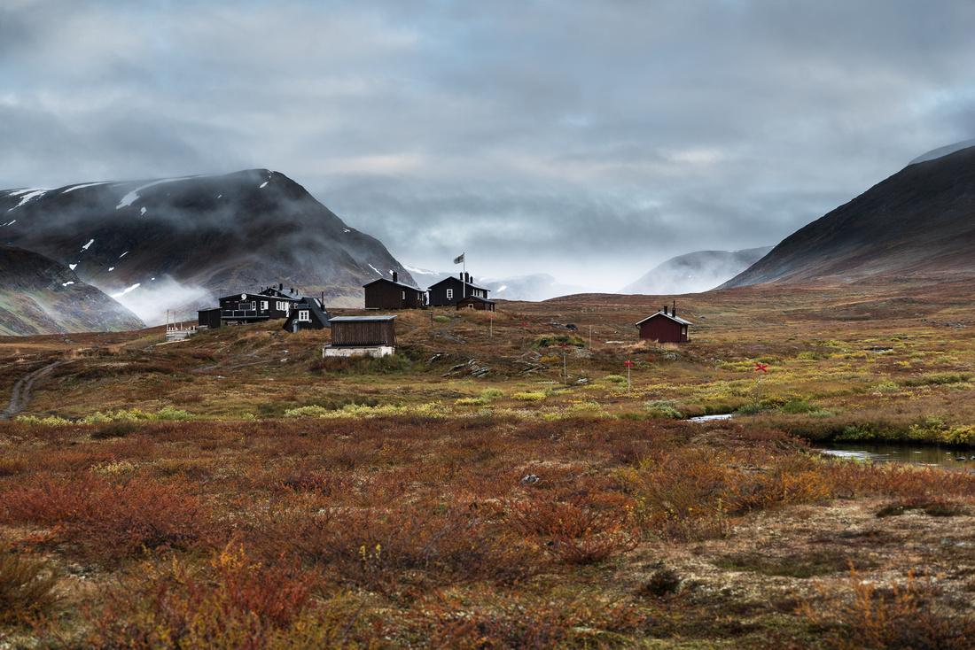 Dawn at the Sälka Hut