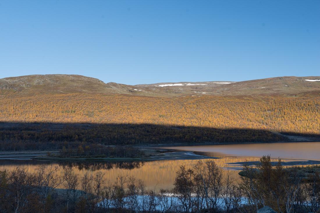 Autumn morning at Lake Ábeskojávri, Sweden