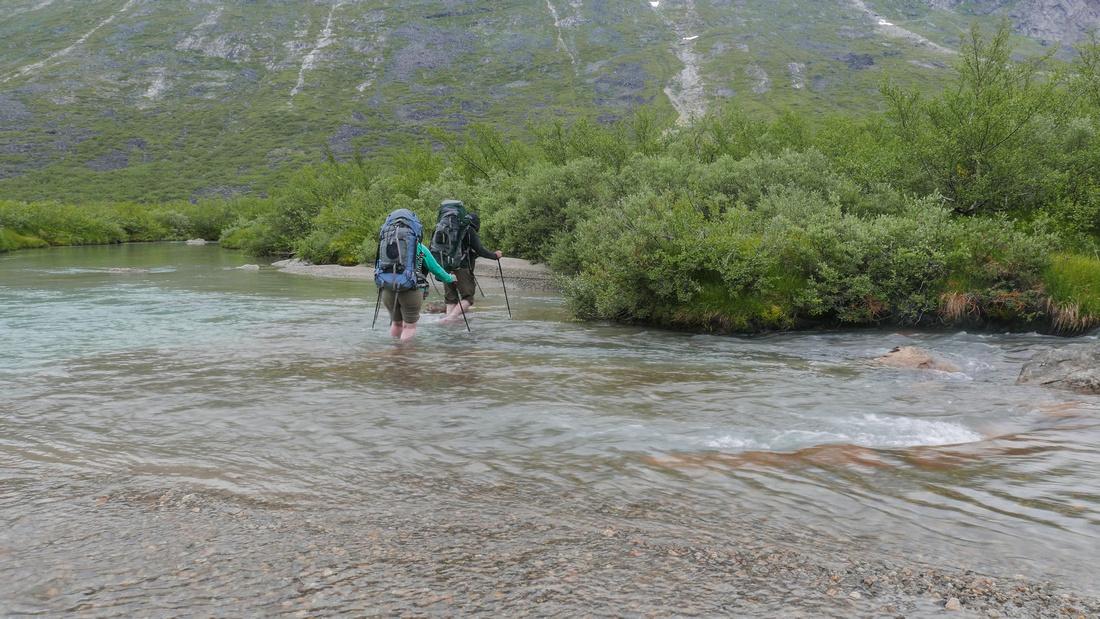 Crossing the Uiluiit Kuua River